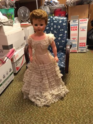 "Antique Bride Doll, 1950's, ""Betty the Beautiful "", 30"" for Sale in Harmony, PA"