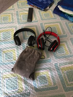Wieeless headphones for Sale in Woburn, MA