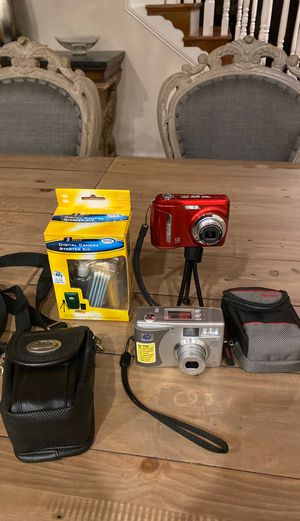 2 digital cameras & 2 carrying cases & tripod for Sale in Catharpin, VA