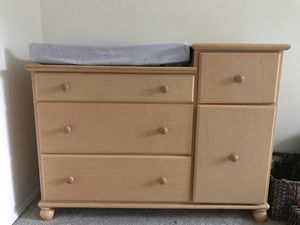 Changing Table/Dresser FREE for Sale in Redmond, WA