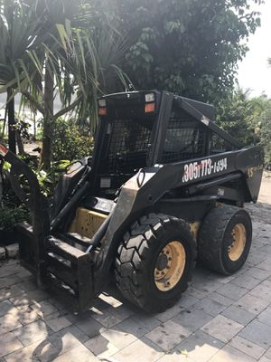 New Holland LS180 $20k mejor offerta obo for Sale in Miami, FL