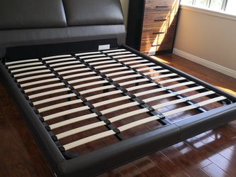 SCANDINAVIAN Adjustable Headboard Bed- Cal King for Sale in Alhambra,  CA