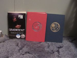 Divergent Books (But book 2) for Sale in Kasson, WV