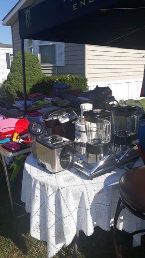 Big Garage Saturday las day.. for Sale in Waukegan, IL