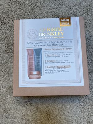 New skincare set for Sale in Sherwood, OR