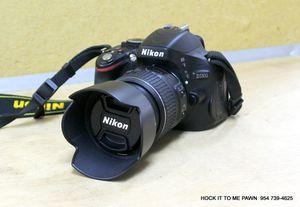 Nikon D5100 DSLR Camera With 18-55mm F/3.5-5.6 AF-S Nikkor Zoom Lens for Sale in Tamarac, FL