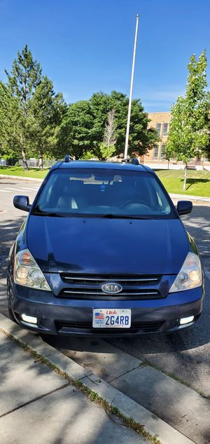 Kia Sedona ex 2006 175,462 mi the car works perfectly, does not clean mechanical problems, the only problem is not always closing the trunk for Sale in MSC, UT