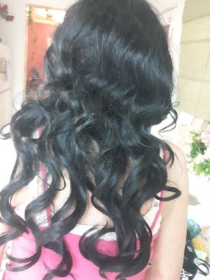 Brand new Amy wig black curly for Sale in Alexandria, LA