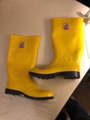 Super Track Yellow Men WaterProof Slip Resistant Rubber Rain Boots for Sale in Oakland, CA