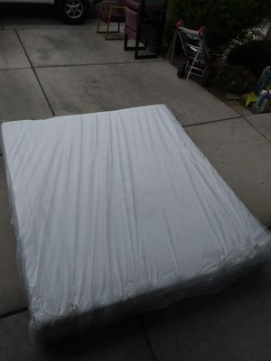 Purple king size mattress for Sale in North Las Vegas, NV
