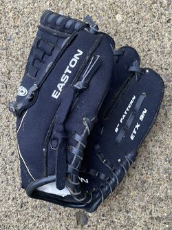 Easton Black Magic T-Ball Glove in great shape! for Sale in Mason,  OH