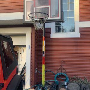 Adjustable Basketball Hoop. for Sale in Puyallup, WA