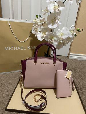 Michael Kors crossbody handbag purse bag satchel with matching wallet new set for Sale in San Antonio, TX