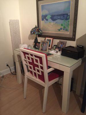 White desk with chair for Sale in Miami, FL