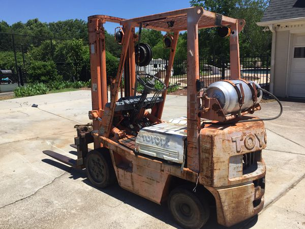 Toyota forklift 4000LB lift 2 stage mass whit a side shift