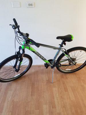 giant Revel M2 mountain bike for Sale in Anaheim, CA