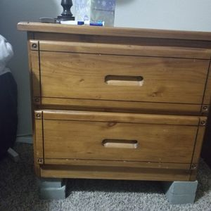 Bedside Table for Sale in Auburn, WA