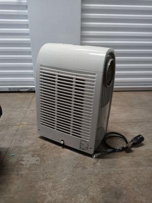 8000 friedrich portable ac/ dehumidifier/ heater for Sale in Dickinson, TX