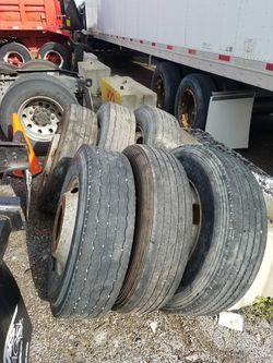 SEMI Truck tires low pro 295/ 75/ 22.5 for Sale in Chicago,  IL