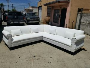 NEW 9X9FT WHITE LEATHER SECTIONAL COUCHES for Sale in Victorville, CA