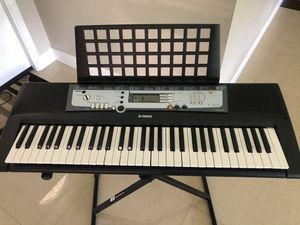Yamaha 61-Key Digital Music Piano Keyboard - Portable Electronic in perfect condition,barely used. Stand and cover included. for Sale in Miramar, FL