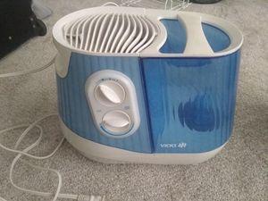 Vicks Humidifier for Sale in Alexandria, VA