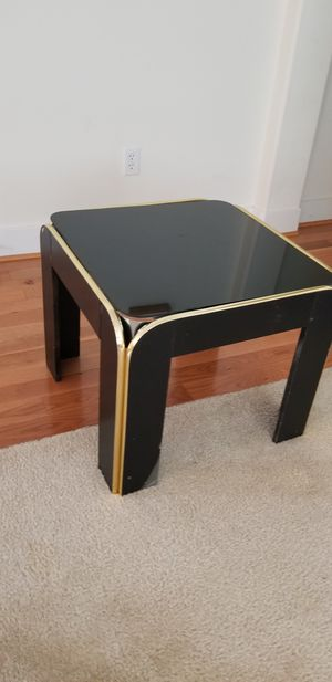 Black coffee table for Sale in Lynnwood, WA