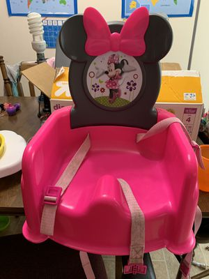Minnie Mouse booster seat and bath for Sale in Minneapolis, MN