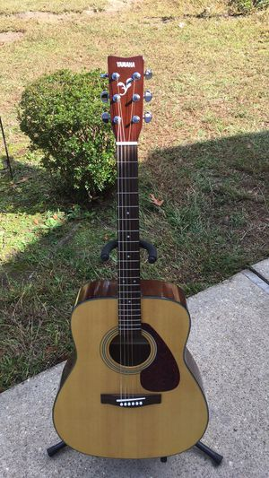 Yamaha acoustic guitar for Sale in Chesapeake, VA