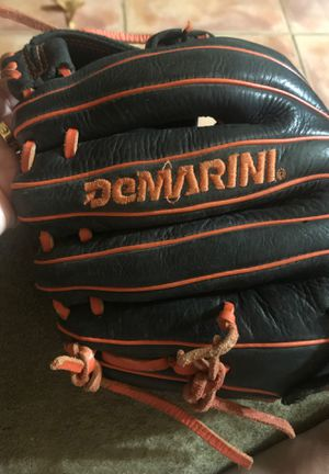 Demarini baseball glove $55 pre-owned for Sale in Florida City, FL