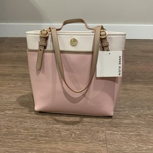 Women Bag Pink for Sale in Malden, MA