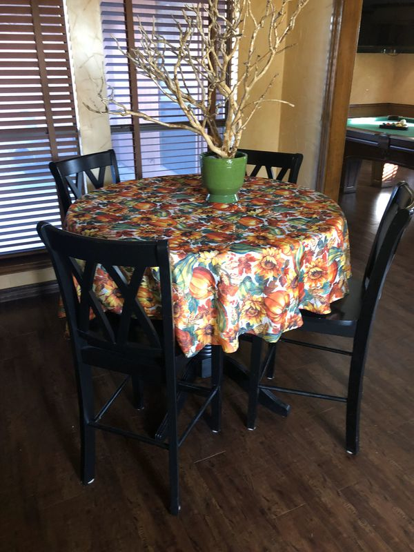Dinning or Breakfast Table with chairs