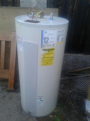 Water heater 40 gallon for Sale in Glendale, AZ