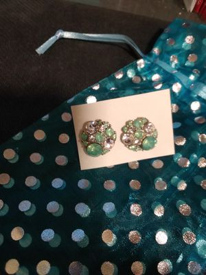 Green Ladies Earrings w/Gift Bag for Sale in Eugene, OR