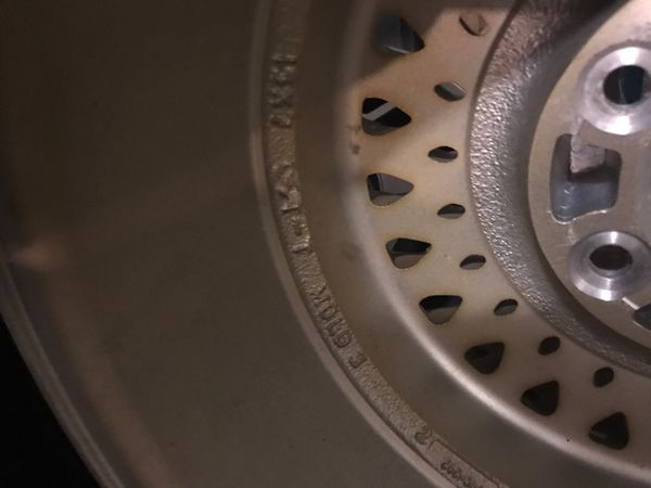 """Jeep limited gold 15"""" wheel 1987-1996"""