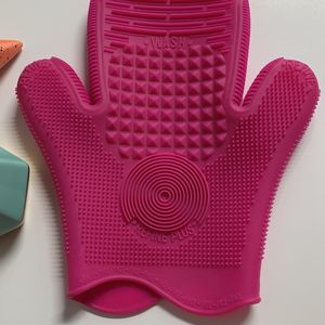 Brush Cleaning Glove for Sale in Lake Worth, FL