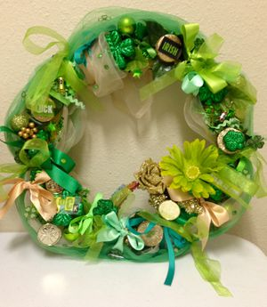 """""""St Patrick's Day"""" Wreath. 13"""" Metal frame for Sale in Dover, FL"""