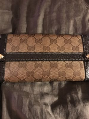 Gucci Crystal wallet for Sale in Brandywine, MD