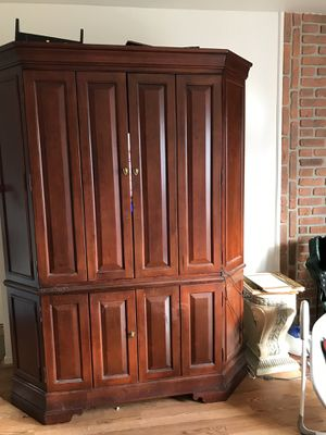 Armoire for Sale in Schaumburg, IL