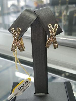 Ladies diamond earrings for Sale in Mesquite, TX