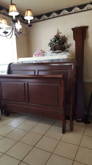Queen Sleigh Bed for Sale in North Richland Hills, TX