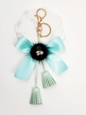 Tassle and bow keychain for Sale in Baldwin Park, CA