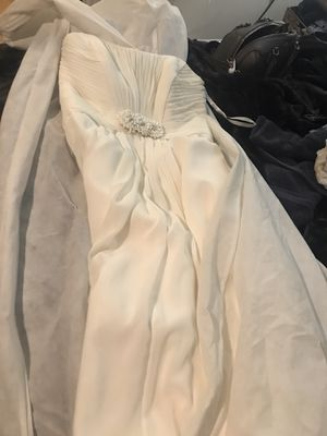 Wedding dress size 10 off white for Sale in Suitland, MD