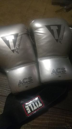 Title platinum acs boxing gloves for Sale in Hoquiam, WA