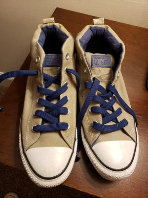 Size 8 Converse sneakers for Sale in Jamestown, NC