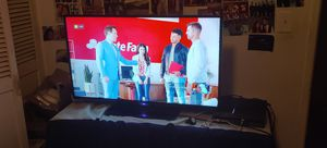 Westinghouse 1080p tv 40inch for Sale in Los Angeles, CA