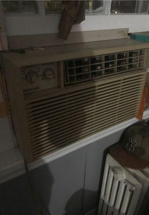 AC window unit for Sale in Baltimore, MD
