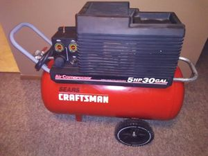 Craftsman 5hp 30 gallon air compressor for Sale in Wichita, KS