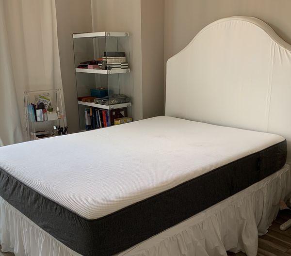 Casper Mattress - full size bed!
