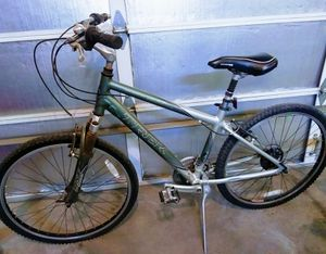 Trek navagator 200 hybrid mountain bike road bicycle for Sale in Las Vegas, NV